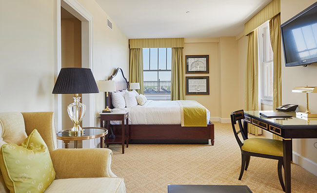 Hotel_Settles_Tower_Room_1