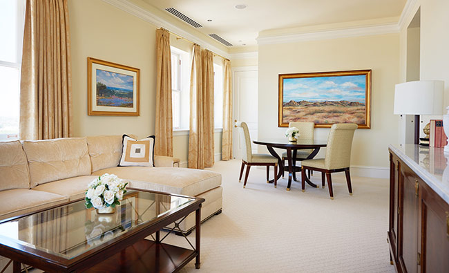 Hotel_Settles_guest_room_presidential